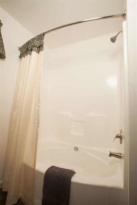 showers tubs commodore  pennsylvania