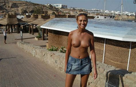 Monika L Posing Naked On Vacation In Egypt Russian Sexy