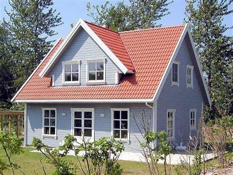Skandinavische Holzhäuser Farben by Schwedenhaus Holzhaus Farbe Mit Tjaeralin Streichen