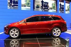 Ford Focus 3 : new 2012 ford focus wagon 5dr hatchback live unveiling ~ Nature-et-papiers.com Idées de Décoration