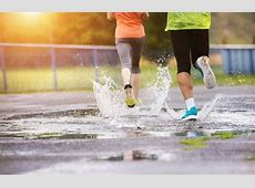8 Tips For Running In The Rain Just Run Lah!