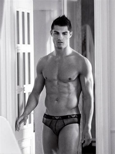 cristiano ronaldo shirtless height  weights