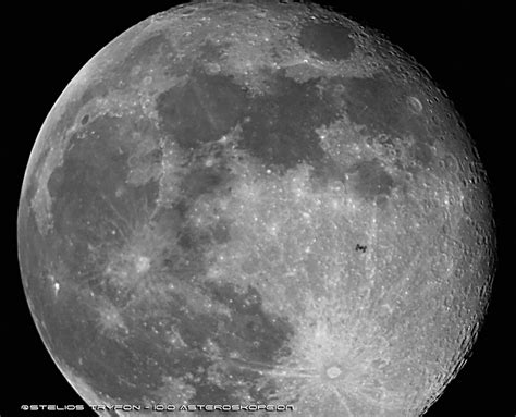ISS CROSSING THE DISC OF THE MOON IN A VISIBLE PASS DUE TO ...