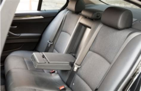 nettoyer les sièges de voiture tout pratique