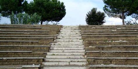 Parco Di Tor Tre Teste by Roma Uomo Trovato Impiccato Allo Scivolo Al Parco Di Tor