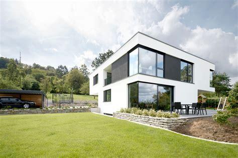 Modernes Haus Mit Garten by Modernes Haus Mit Terrasse Und Garten Modern H 228 User