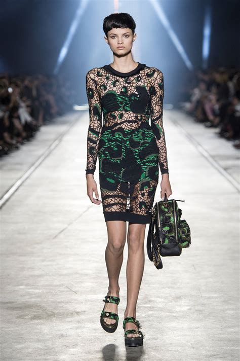 VERSACE SPRING SUMMER 2016 WOMEN'S COLLECTION | The Skinny ...