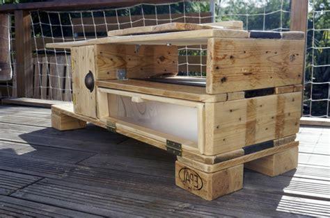 meuble palette bois un meuble en palette beaucoup des possibilit 233 es archzine fr
