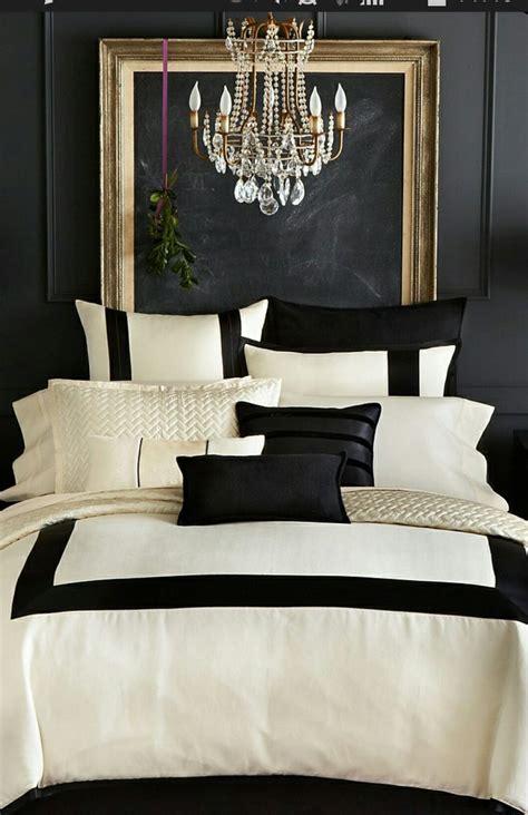 chambre baroque noir et blanc une chambre noir or et blanc immobilier