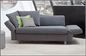 Sofa 3 Sitzer Mit Schlaffunktion : sofa 2 sitzer mit schlaffunktion kreative ideen f r innendekoration und wohndesign ~ Indierocktalk.com Haus und Dekorationen