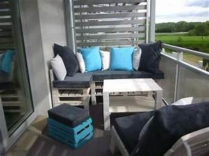 Balkon Bank Klein : wunderbare graue eckbank mit kissen auf dem balkon ~ Michelbontemps.com Haus und Dekorationen