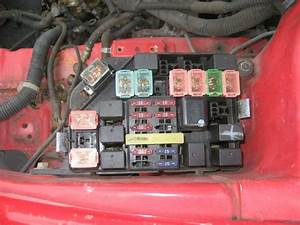 00 Hyundai Tiburon Main Fuse Box Relay Switch Engine