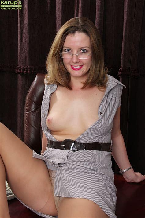 Office Slut deliliah stevenson Enjoys Undressing In Her