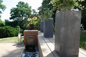 terrasse bois composite et fontaine contemporain With decoration pour mur exterieur de jardin 11 amenagement exterieur zen contemporain piscine lyon