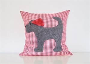 Kissen Für Kinder : kissen hund konrad von tildemor n hen kissen n hen und kissen n hen ~ Buech-reservation.com Haus und Dekorationen