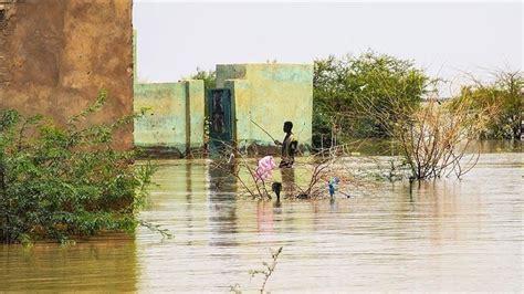 """قالت السلطات في بوركينا فاسو اليوم الأربعاء إن مهاجمين مجهولين قتلوا 15 شخصا أثناء اجتماعهم بمناسبة حفل تعميد بقرية في شمال البلاد الليلة الماضية. فيضانات بوركينا فاسو ..مقتل """"13"""" شخصاً وإصابة """"19""""   قناة 218"""