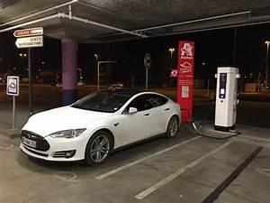 Borne De Recharge Tesla : les superchargers de tesla explications blue2bgreen ~ Melissatoandfro.com Idées de Décoration