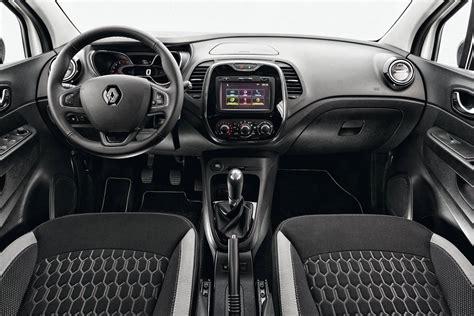 renault captur white interior comparativo renault duster x renault captur quatro rodas