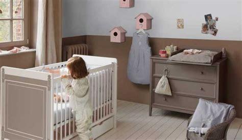 chambre bébé tendance couleur chambre bebe marron chaios com