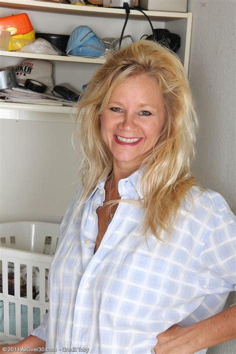 Gorgeous Year Old Wifey Heidi Gallo Violates After