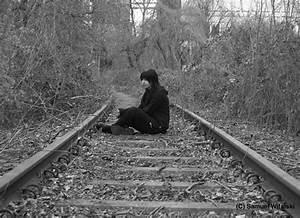 Vorhänge Auf Schienen : einsam auf schienen foto bild jugend outdoor menschen bilder auf fotocommunity ~ Markanthonyermac.com Haus und Dekorationen
