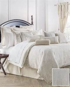 Waterford, Linens, Paloma, Ivory, Reversible, Queen, Comforter