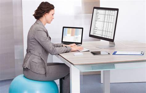 exercices au bureau 10 exercices à faire au bureau pour rester en forme