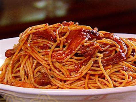 cuisine spaghetti bbq spaghetti recipe the neelys food