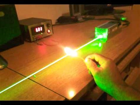 Dpss Laser 2000mw 532nm 2 Watt Class 4 Burn Fire Toothpick Youtube
