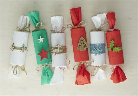 how to make christmas crackers hobbycraft blog