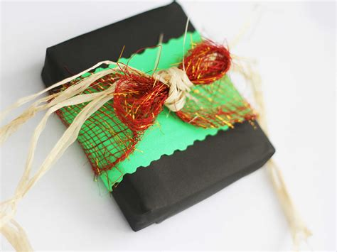 How To Wrap A Kwanzaa Gift 6 Steps (with Pictures) Wikihow