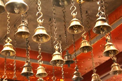 traditions of christmas bells halong 20 french sayings that make no sense in english