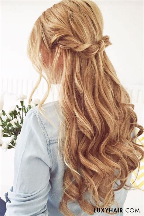 hair styles for curly hair best 25 hairstyles ideas on half up 3945