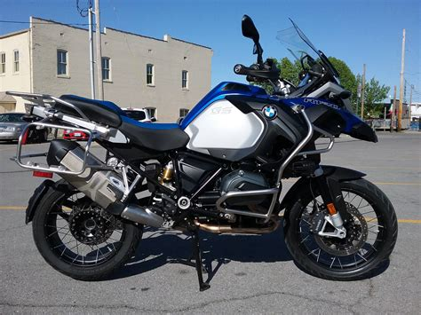 bmw   gs adventure motorcycles  cape