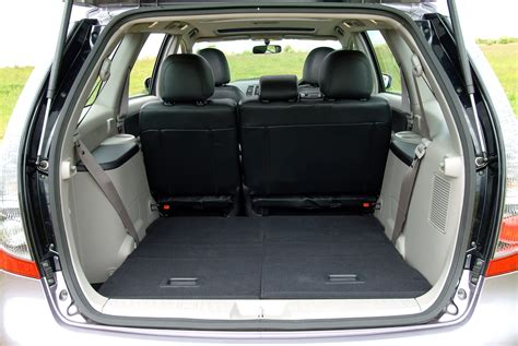Warrior Boat Seat Covers by Mitsubishi Grandis Estate 2004 2010 Features