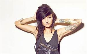 Your Dream Girl Lights Poxleitner with Beautiful Tattoo ...