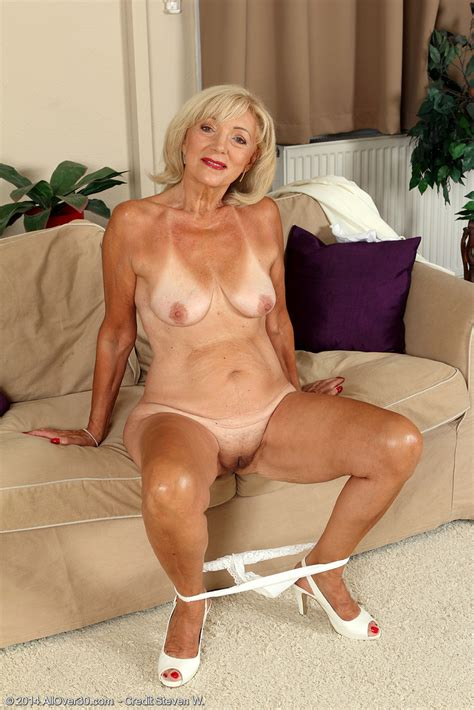 Mature Blondie Kamilla Caress Her Nippies Milf Fox