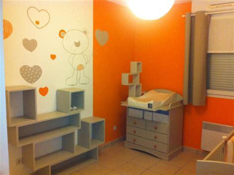 photo deco chambre davaus chambre bebe jaune orange avec des idées