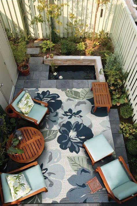 Patios Ideas Small Backyards by Best 25 Townhouse Landscaping Ideas On Patio