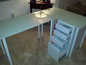 Ikea Table Salon : best 25 glass table top ideas on pinterest table top design glass top dining table and round ~ Teatrodelosmanantiales.com Idées de Décoration