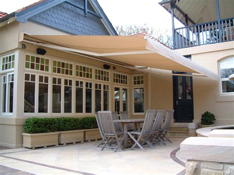 Folding Arm Retractable Awnings