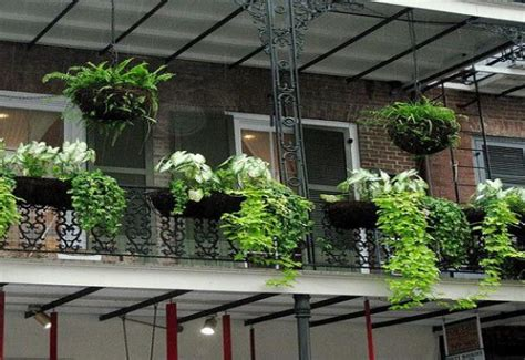 desain lantai atas rumah balkon multifungsi