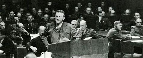 """纽伦堡审判22位纳粹战犯,美国大法官却道""""暴民私刑大会"""""""