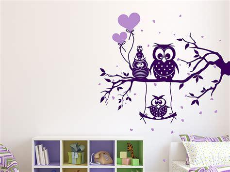 Wandtattoo Kinderzimmer Ast by Wandtattoo Ast Mit Putziger Eulenfamilie Wandtattoos De