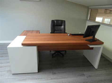 bureau sur mon bureau sur mesure adapté à mon petit espace