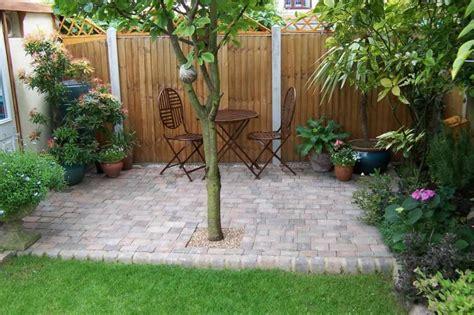 cloture decorative pour jardin cl 244 ture de jardin en bois 75 id 233 es pour faire un bon choix