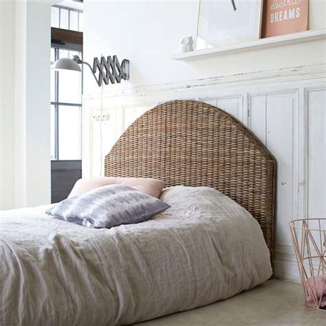 Sticker décoratif tête de lit adhésive persiennes 60 cm x 160 cm. 12 idées pour une tête de lit pas chère