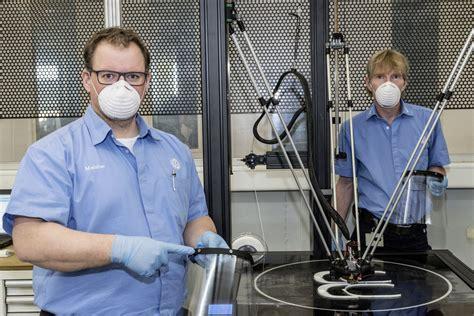 coronavirus le groupe volkswagen fabrique des masques de