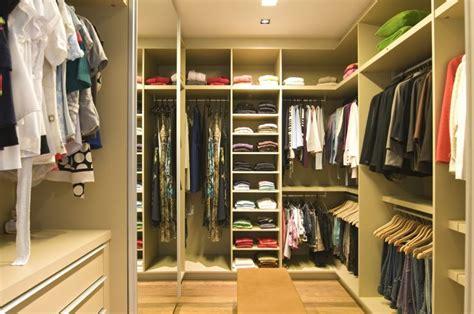 formas de organizar un cl 243 set o armario decoraci 243 n