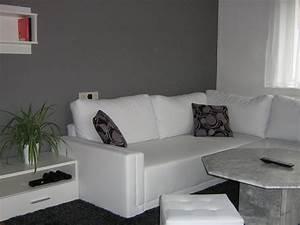 Wie Streiche Ich Meine Wohnung Ideen : wohnzimmer 39 wohnzimmer in grau wei gr n 39 mein domizil ~ Lizthompson.info Haus und Dekorationen